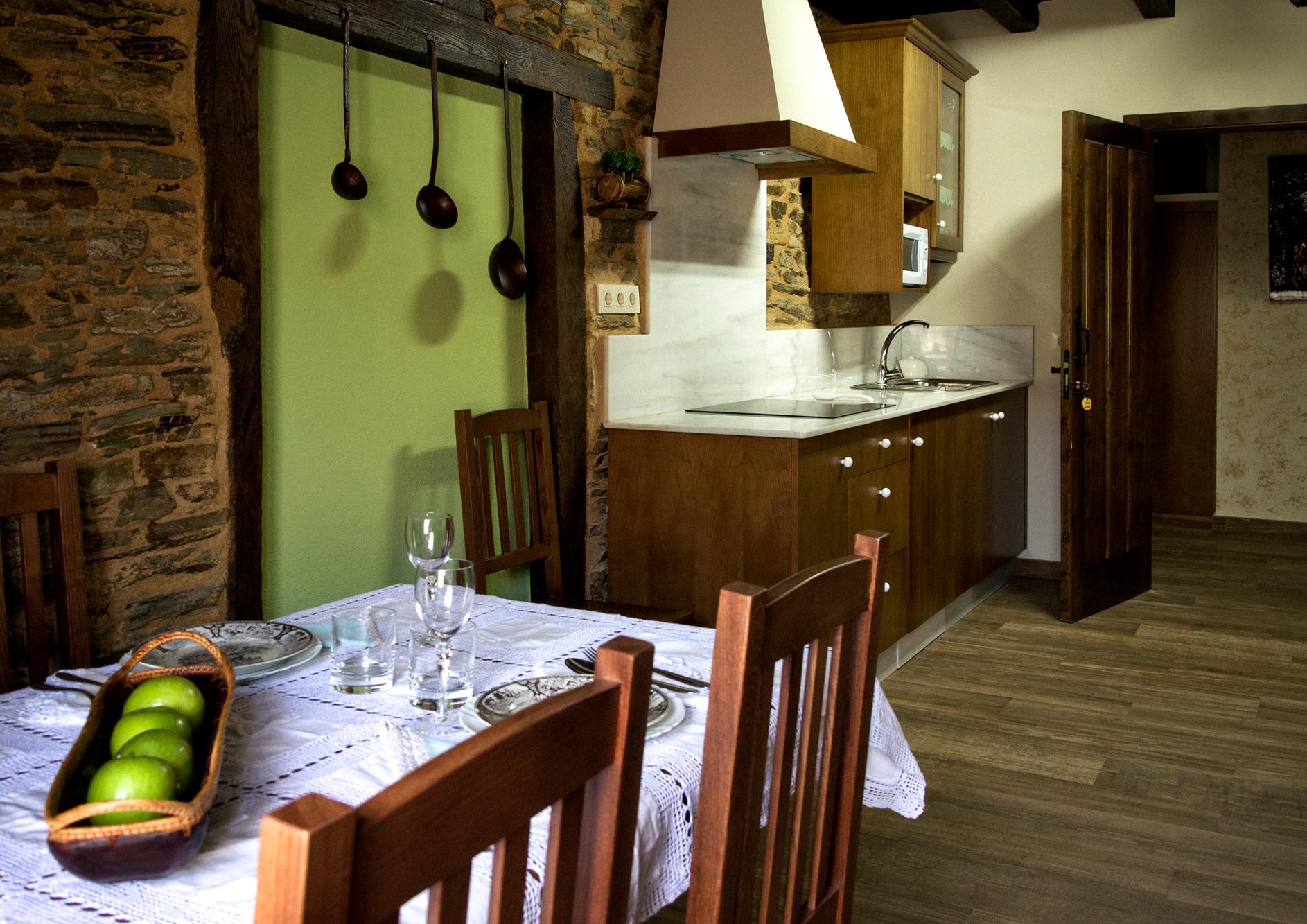 Salón cocina en Apartamento Castelao